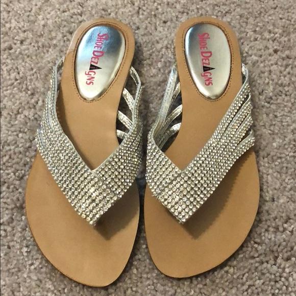 a27359ee0734 NWT Women s Flip Flop Sandals size 5.6